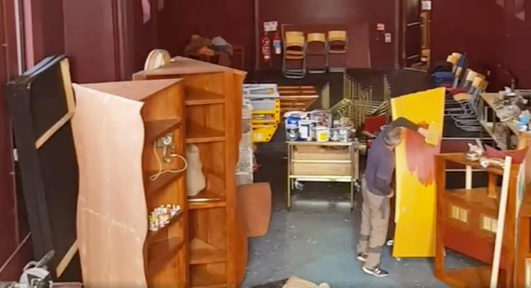 Theatre makers making theatre (sets) at Graffiti HQ